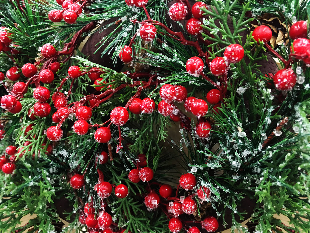 holiday decor wreath and berries